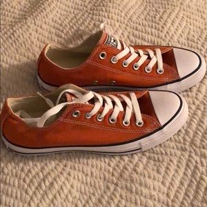 Low top Converse Roasted Carrot